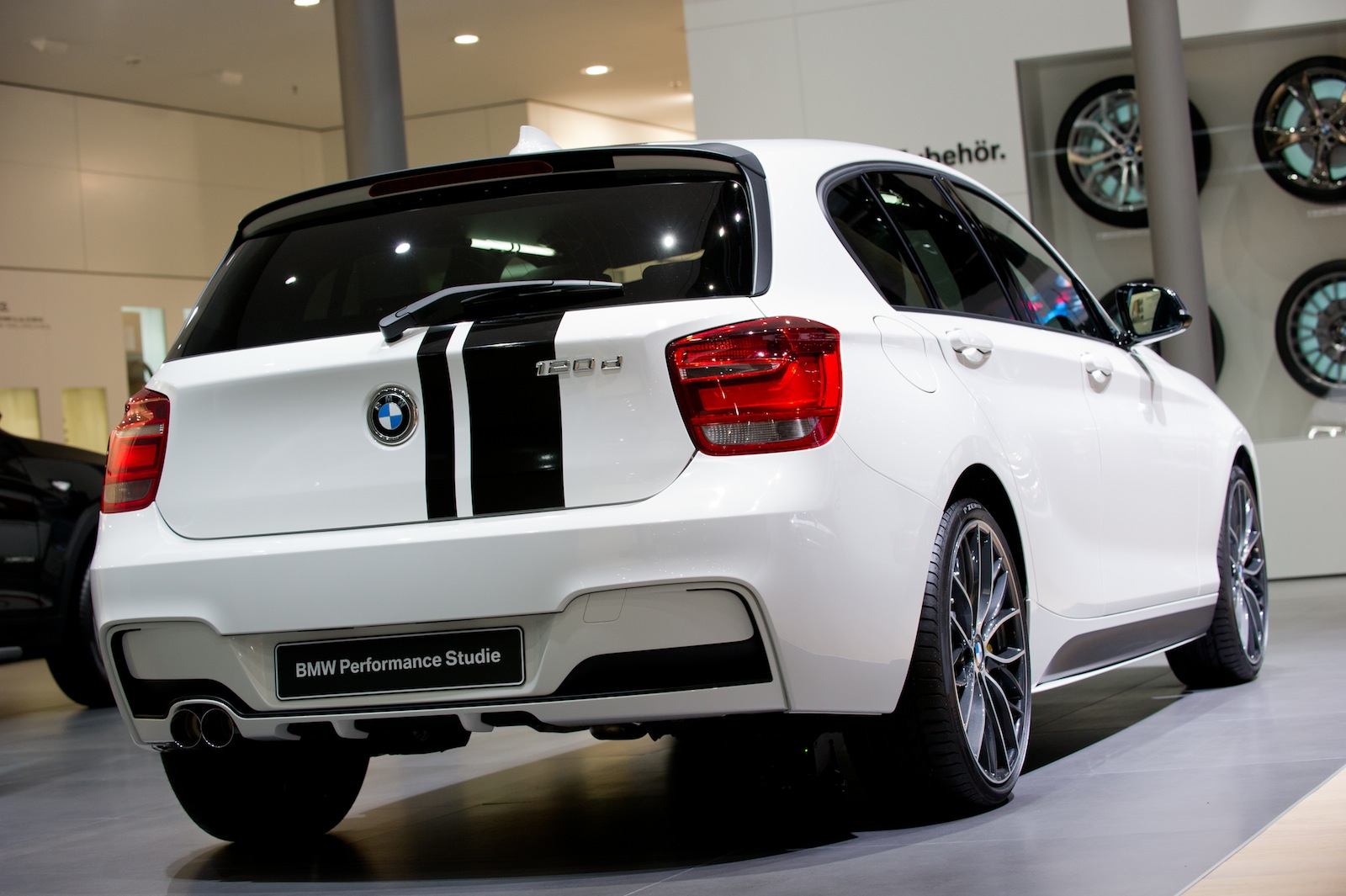 first official photos of bmw f20 1 series performance accessories study. Black Bedroom Furniture Sets. Home Design Ideas