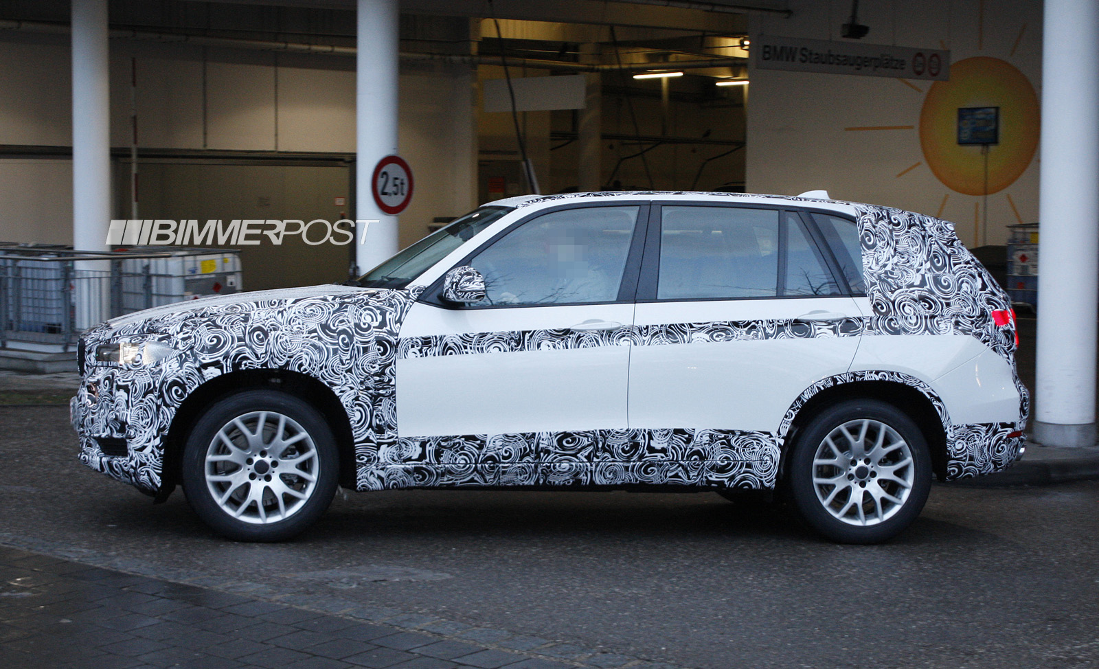 2014 bmw x5 f15 drops major camouflage to reveal much more. Black Bedroom Furniture Sets. Home Design Ideas