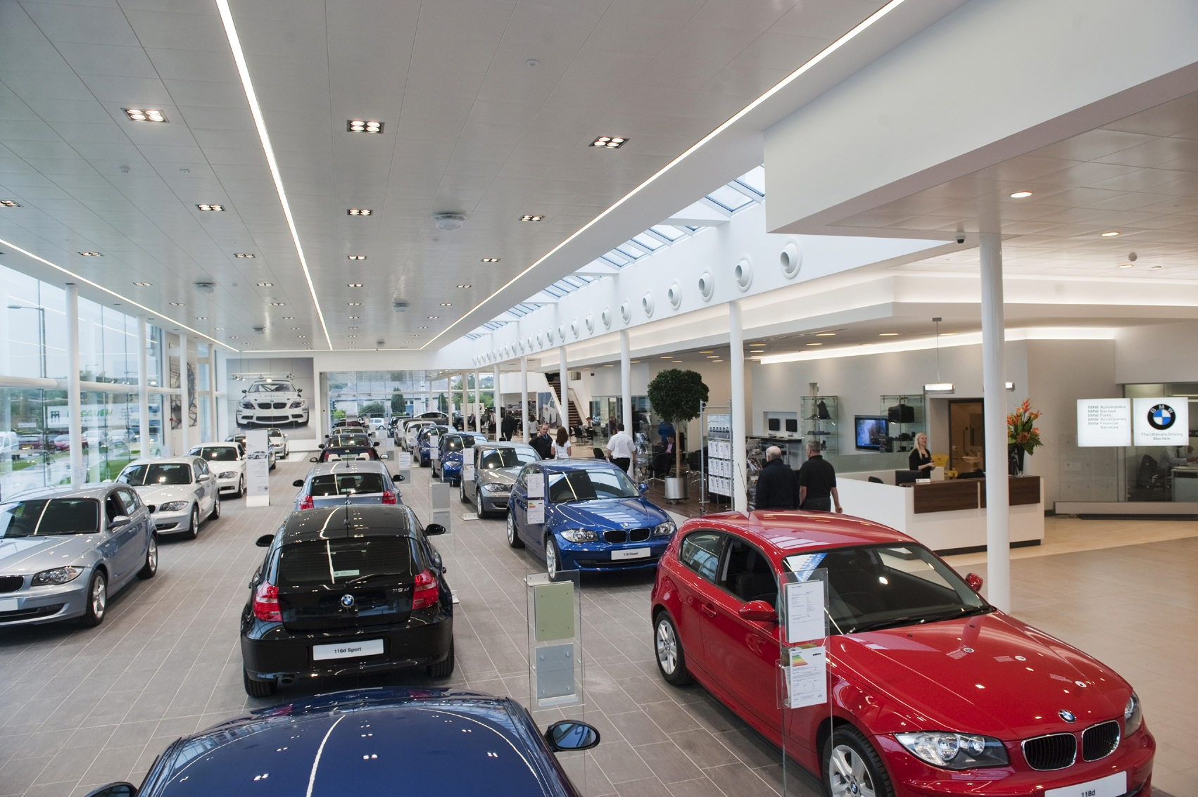 Bmw dealership gallery for Sun motor cars mechanicsburg pa