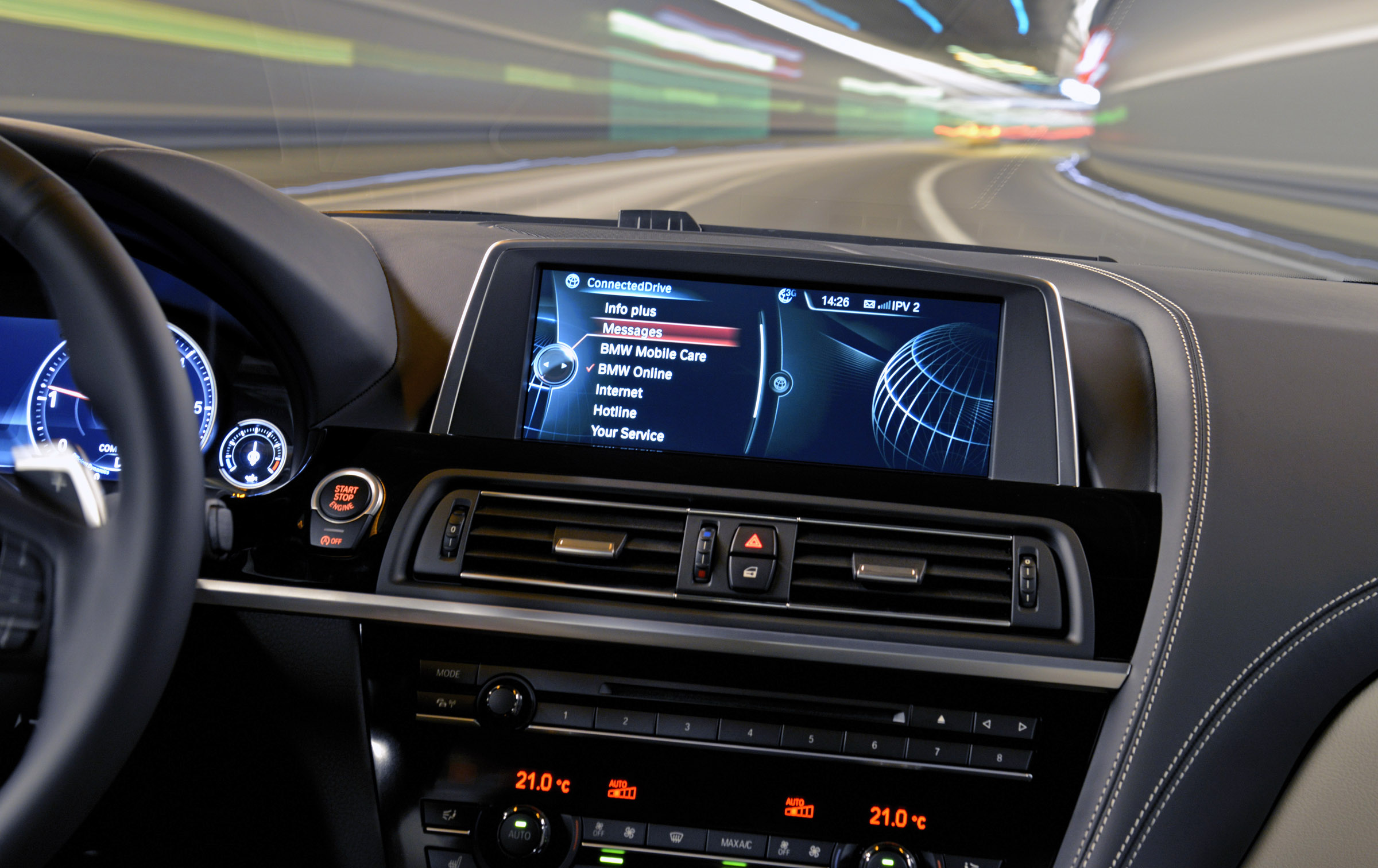 bmw connecteddrive enhanced for 2013 with siri s voice. Black Bedroom Furniture Sets. Home Design Ideas