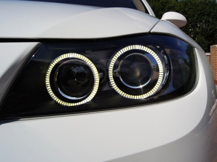 Teaser Custom E90 Ambient Light Controlled Led Angel Eyes