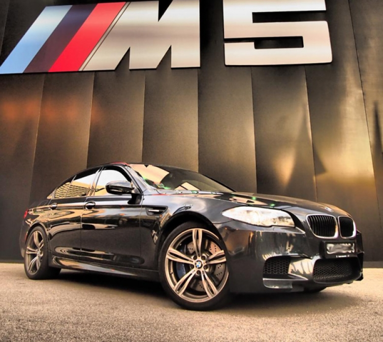 2012 Bmw F10 M5 Saloon Uk: BMW F10 M5 Launches In Singapore