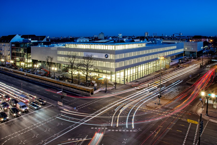 bmw ag to open new mega dealership in berlin. Black Bedroom Furniture Sets. Home Design Ideas