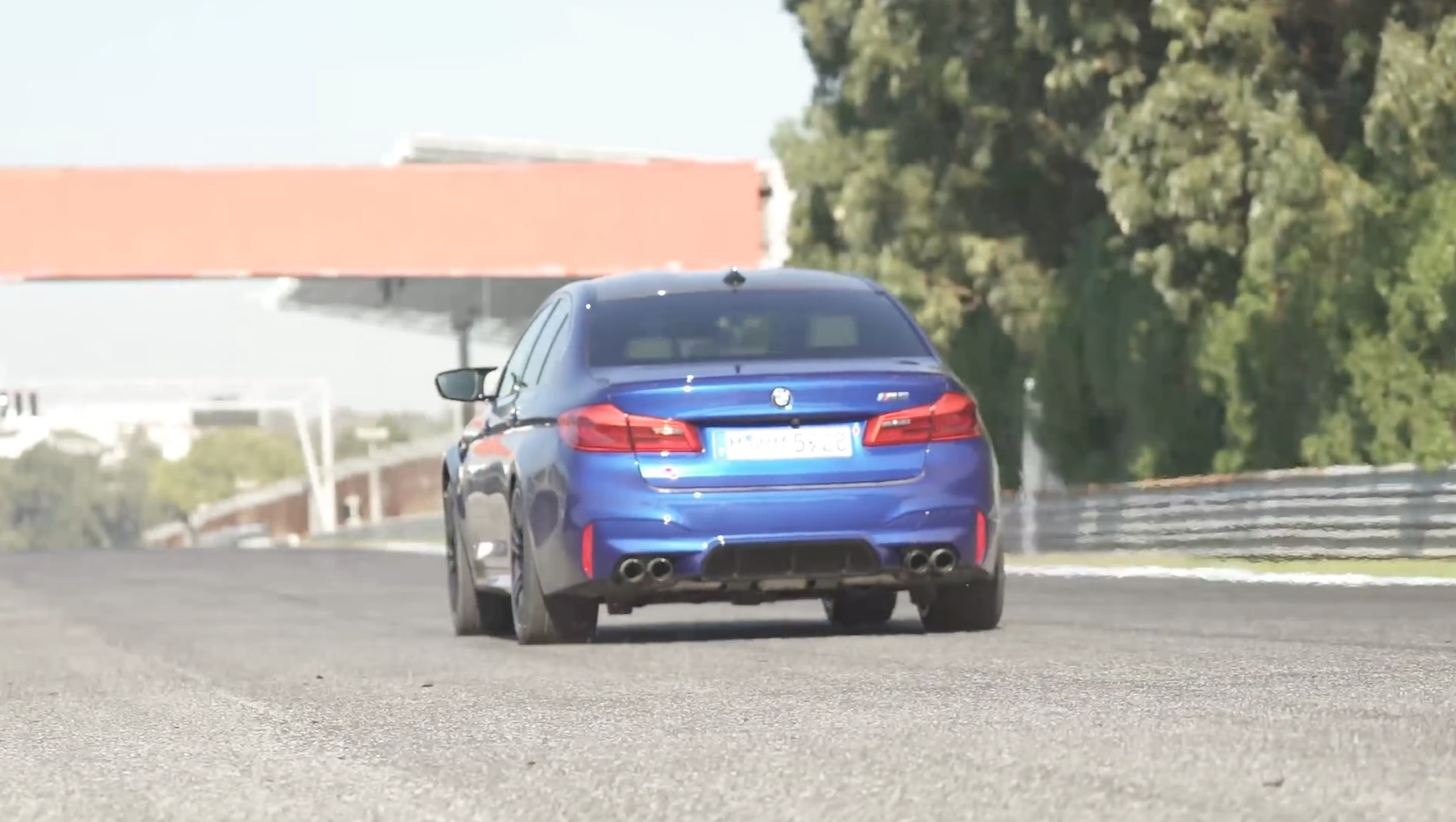 Carwow test F90 M5 0 60 mph and quarter mile against AMG E63 S times